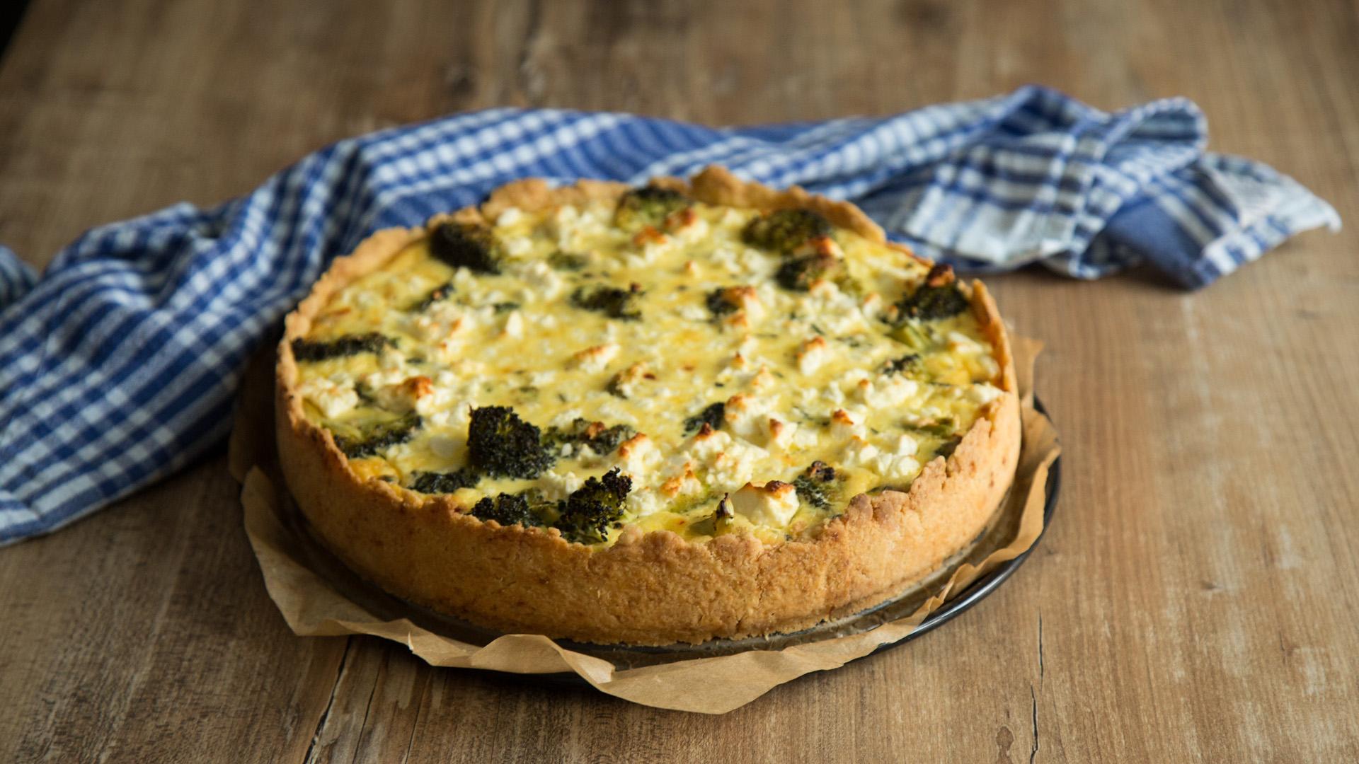 frische brokkoli quiche mit feta und thymian